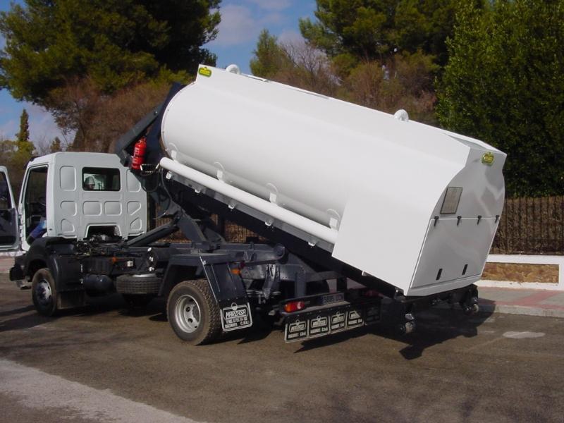 Division cisternas marzasa fabricantes de cisternas para for Antorchas para jardin combustible